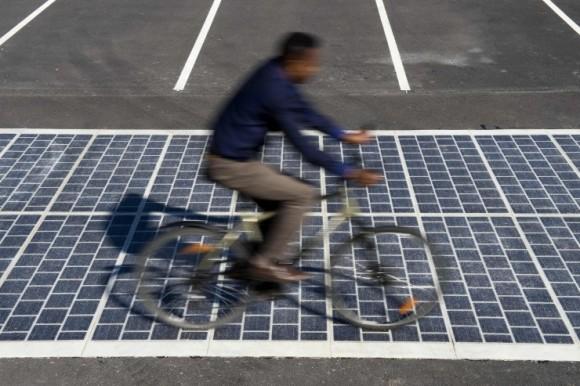 Solární silnice budou ve Francii vyrábět čistou elektřinu. foto: COLAS
