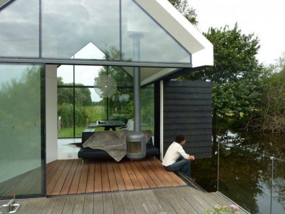 """""""Jednoduchost nemusí znamenat ztrátu luxusu ani kontaktu s přírodou."""" Zdroj: 2by4-Architects"""