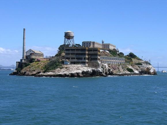Alcatraz už dávno neslouží jako věznice. Dnes je jedním z nejznámějších národních parků USA a slouží jako muzeum, ale také skvlěá příležitost dozvědět se něco o možnostech využití solární energie. foto: Edward Z. Yang, licence Creative Commons
