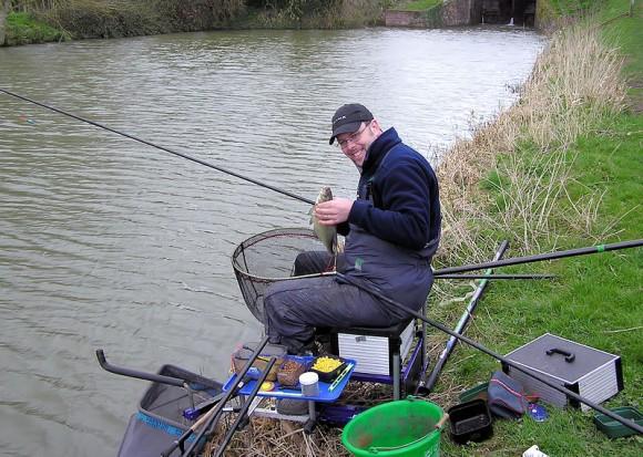 Zábava, která uklidňuje nervy, je cuchá ochráncům přírody. Rybáři vBritánii neúmyslně napomáhají šíření invazních druhů. foto: Arpingstone, licence public domain