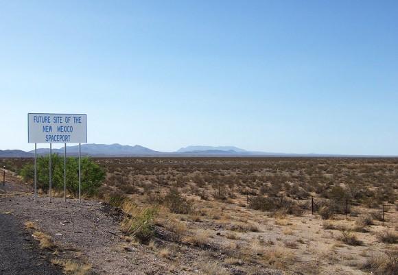 Ač většinu Nového Mexika pokrývají vyprahlé pláně, některá místa oplývají silnými větry. Místo na obrázku je budoucím sídlem vesmírného přístavu společnosti Spaceport America. foto: Jared Tarbell, licence  Creative Commons Attribution 2.0 Generic