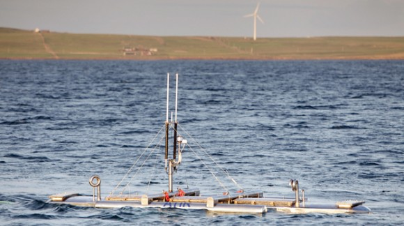 """""""Zanořená plovoucí turbína je lidským očím téměř neviditelná, přesto se k ní soustředí maximální pozornost výzkumníků z EMEC."""" Zdroj: Colin Keldie/EMEC"""
