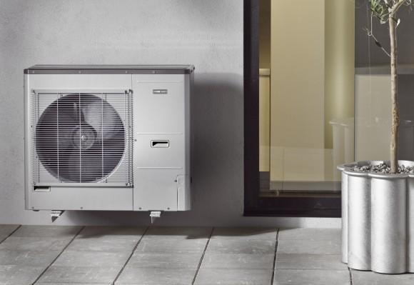 Tepelné čerpadlo vzduch-voda značky NIBE. foto: DZ Dražice