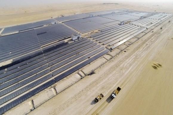 Největší solární elektrárna v Dubaji a možná i na celém blízkém a středních východě. foto: DEWA