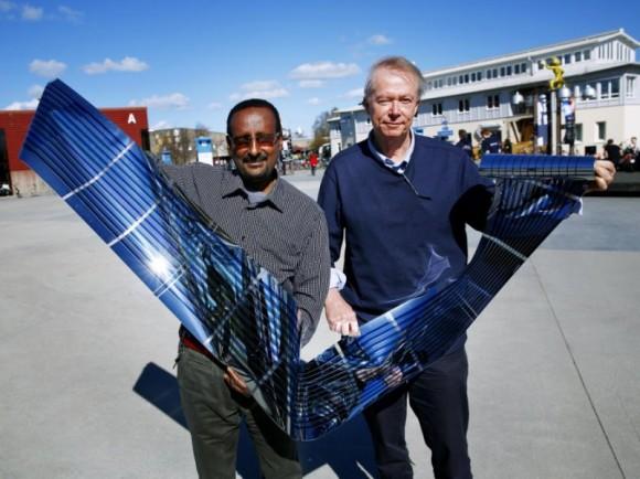 """""""Polymerní solární články bez nestabilních fullerenů. Natiskněte si jich, kolik potřebujete."""" Zdroj: Stefan Jerrevång/Linkoping university"""