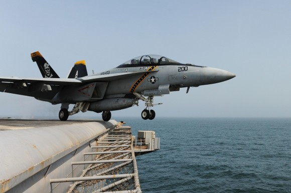 Stíhačky na palubě letadlových lodí mají prý být jen začátek. Zdroj: Wikimedia.commons.com, licence public domain