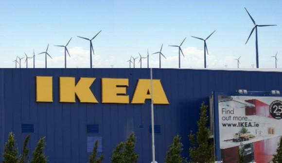 """""""Investice do větrné elektrárny vIllinois posouvá IKEU na špičku mezi eko-korporacemi.""""  Zdroj: IKEA US."""