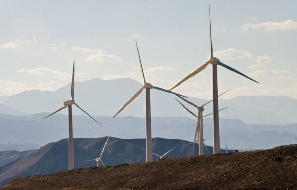 """""""Větrná farma Isfahán v Iránu.""""  Zdroj: CleanTechnica.com"""
