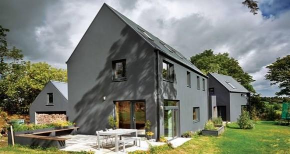 """""""Jeden z irských """"modelových"""" pasivních domů, vystavených podle rozpočtu za cenu normálního rodinného domu."""" Zdroj: Kelvin Gillmor"""