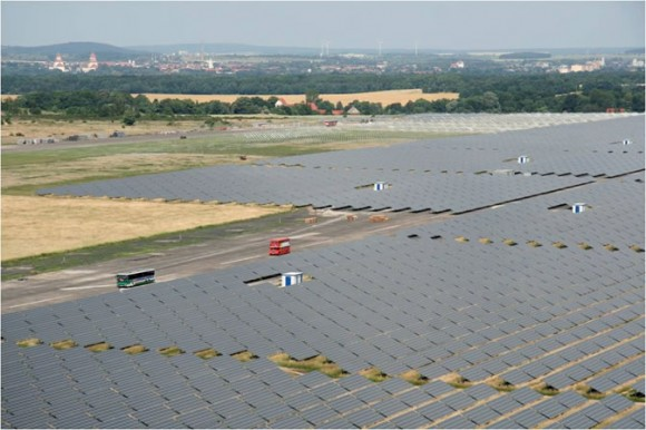 Solární elektrárna společnosti Juwi ve městě Brandis v Německu. foto: JUWI Group, licence Creative Commons Attribution-Share Alike 3.0 Unported