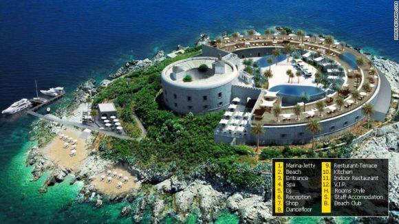 """""""Ostrov Mamula působivou atmosférou disponuje. Jestli je to ale místo vhodné pro hotelový resort, zůstává otázkou."""" Zdroj: mamulaisland.com"""