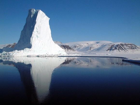 Ilustrační foto: Ledovec vBaffin Bay Grónsko. Zdroj: en.wikipedia.org, licence public domain, autor Tech. Sgt. Dan Rea, U.S. Air Force