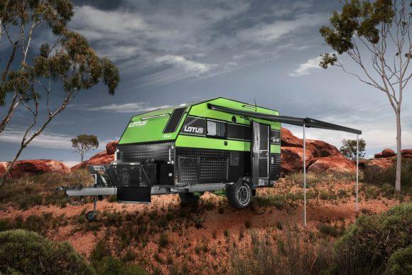 """""""S australským obytným přívěsem na solární pohon se nepohody v divočině obávat nemusíte."""" Zdroj: Lotus Caravans"""