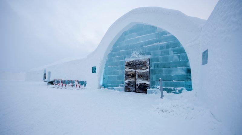 Švédský ledový hotel Icehotel 365