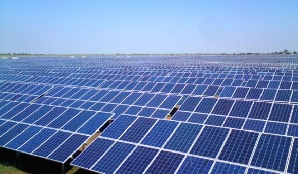 Solární elektrárna Ochotnikovo na Ukrajině patří mezi největší na světě, foto: wikipedia