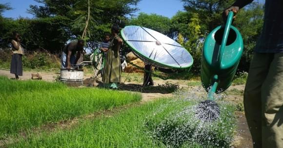 """""""Jednoduchost sama. Zemědělci v Ghaně se mohou těšit na úrodu."""" Zdroj: Futurepump.com"""