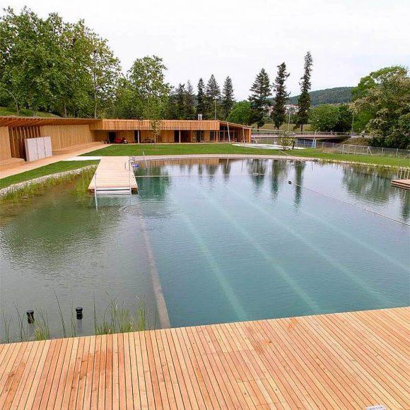 """""""Veřejné koupaliště? Jde to i bez agresivní bazénové chemie."""" Zdroj: Herzog & de Meuron"""