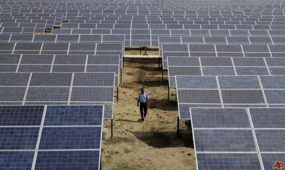 """""""BNEF výrazně podporuje obraz Indie, coby stabilního prostředí pro investice do solární energetiky."""" Zdroj: Solar AP"""