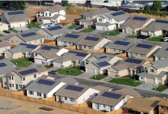 """""""Dobré reference od souseda vydají za hodiny neplodné konverzace sprodejním agentem."""" Zdroj: SolarLove.org"""