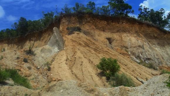 Ilustrační foto: sesuv půdy, foto: Maliz Ong, licence public domain