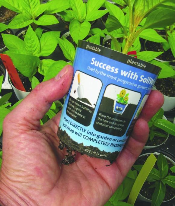 Radost s ekologicky zabalenou sazečkou neuděláte jen zeleným zahradníkům. Zdroj: Inhabitat.com