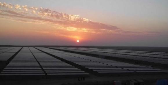 Investice dvou set milionů dolarů do fotovoltaiky je podle slov peruánského ministra správnou volbou. Zdroj: Solarpack.es