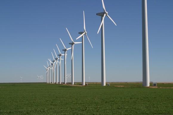 """""""Svět je propojený digitální sítí, kterou tu a tam narušují větrné elektrárny."""" Zdroj: Leaflet"""