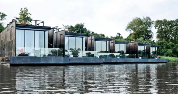 """""""Kotvené struktury X-Float umožňují nerušený luxusní pobyt vdivoké přírodě."""" Zdroj: Agaglio Studio"""