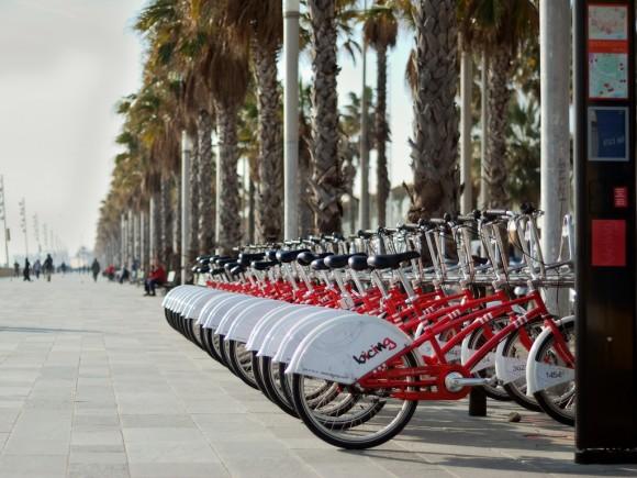 Služba sdílení jízdních kol Bicing v Barceloně patří mezi nejúspěnější v Evropě. Jak se jí bude dařit po zvýšení cen? foto: Albert78000/flickr.com