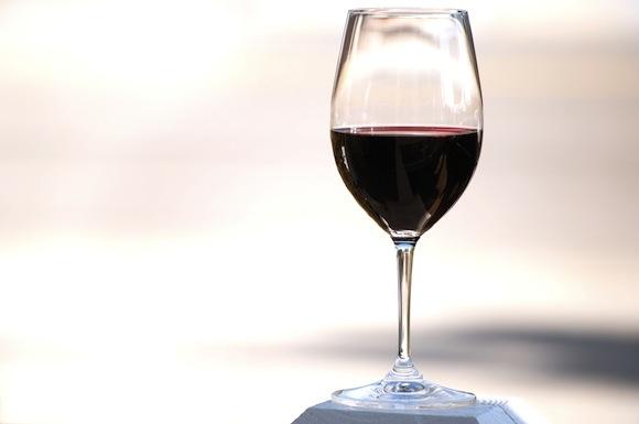 biovíno sklenice vína