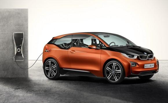 BMW i3 Coupé Concept je nová studie elektromobilu bavorské automobilky. Aktuálně byla představena na autosalonu v Los Angeles 2012, foto: BMW