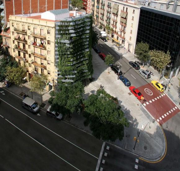 Takhle vypadá nová vertikální zahrada uprostřed města z ptačí perspektivy, Zdroj: domusweb.it