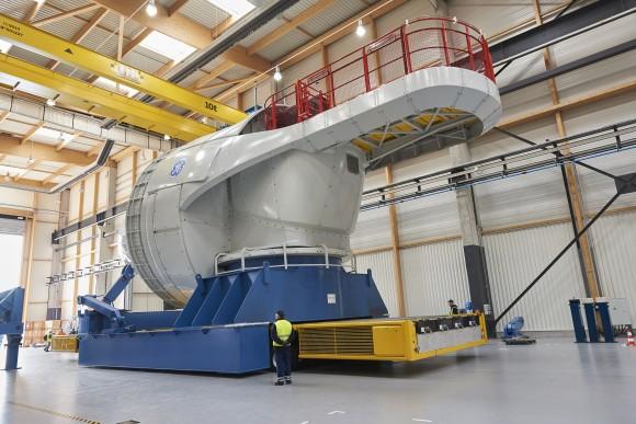 Část turbíny Haliade opouští výrobní závod GE v St. Nazaire ve Francii. foto: GE