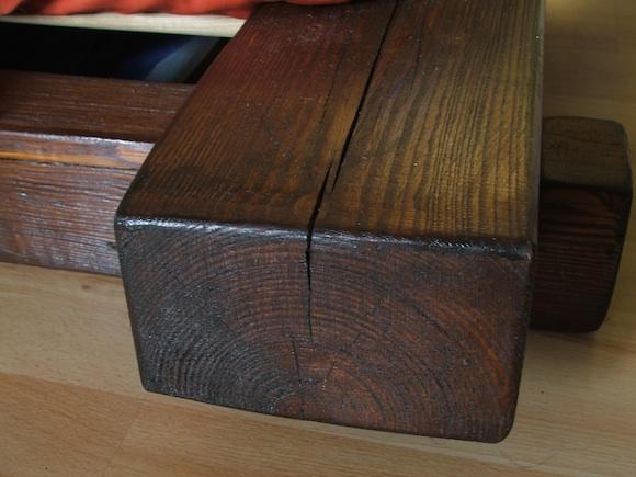 Dřevo je v obchodě lepší vybírat certifikované, podporujete tím hospodárné zacházení s lesy. foto: Ekologické bydlení