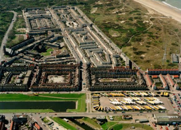 """""""Moře představuje podle Petera Stoelinga pro holandské městečko Duindorp ideální zdroj tepla."""" foto: Deerns International"""