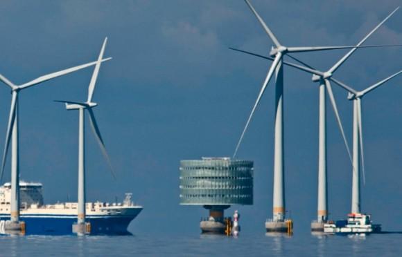 Větrné elektrárny na pobřeží mají být především pro Británii, Irsko, Skotsko, ale i Německo a další severské státy jedním z klíčových OZE, foto: EWEA
