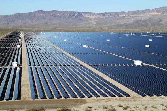Fotovoltaická solární elektrárna o výkonu 92 MW ve státě Nevada v USA - Copper Mountain Solar, foto: Sempra