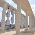 Horizontální větrné turbíny na střeše OMRF, foto: Venger