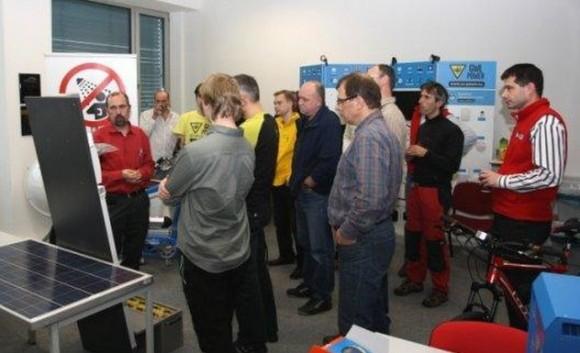 Součástí školení je diskuze s lektory na praktickými ukázkami. foto: i4wifi