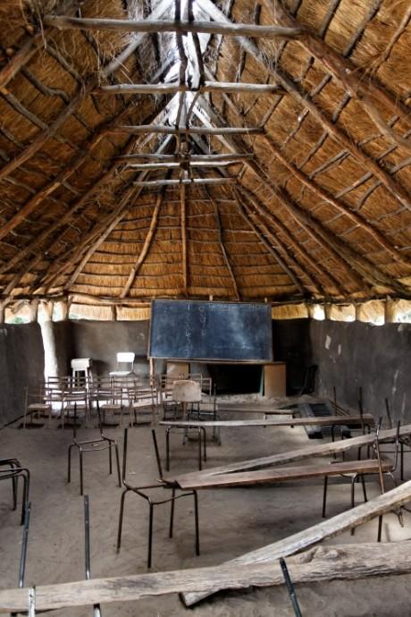 Vybavení škol v Africe bohužel nedává prostor pro navazující vzdělání. Zdroj: WP, kiell & daniel