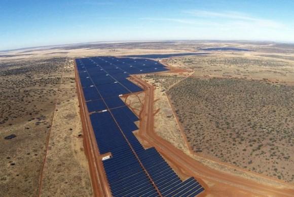 Solární farma Jasper v Jihoafrické republice. foto: Solar Reserve