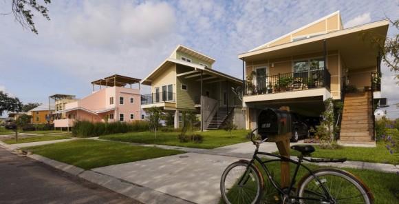 """""""Na nové bydlení čeká v rezervaci Fort Peck více než 600 lidí."""" Zdroj: MakeItRight"""