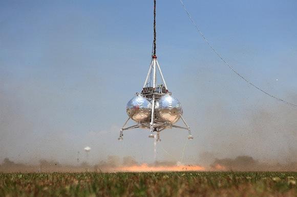 Testování nového eko-paliva za provozu, pod hlavičkou projektu Morpheus. foto: Morpheus Lander, licence Creative Commons