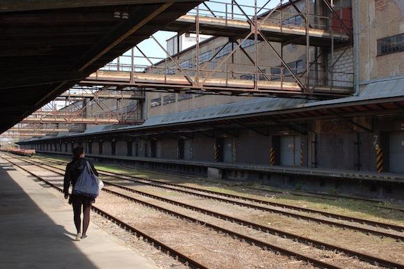 Nákladové nádraží Praha Žižkov je opuštěné, je pro změnu potřeba zbourat hlavní budovu? foto: Martin Singr - Ekobydlení.eu