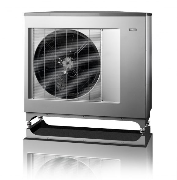 Tepelné čerpadlo vzduch-voda značky NIBE. foto: NIBE