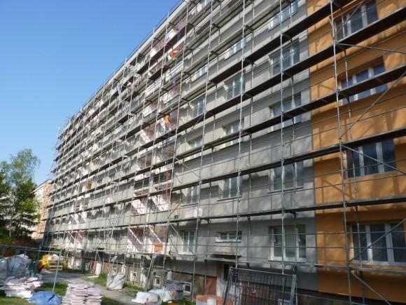 """Nízkoenergetické či dokonce pasivní a levné bydlení dokážou nabídnout i panelové domy, podle některých jsou prostě """"sexy"""", foto: Martin Singr"""