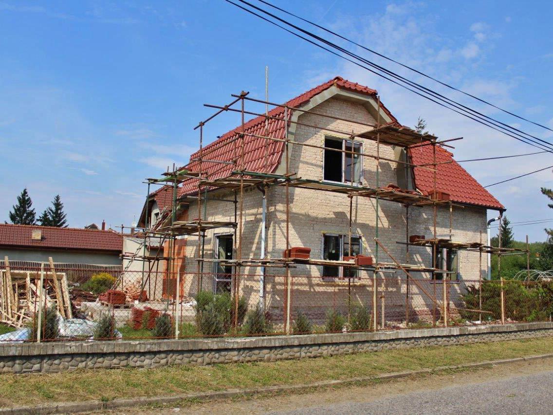Rekonstrukce rodinného domu může být díky dotačnímu programu Nová zelená úsporám levnější. foto: PR Klinika