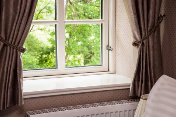Okna z PVC výborně těsní a za několik let dokážou svému majiteli ušetřit značnou částku na výdajích na vytápění. foto: Inoutic
