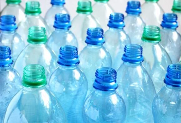 Plastové láhve, už brzy z rostlinného plastu? foto: Green-buzz.net