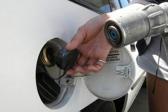 V Česku jezdí čím dál tím víc aut na stlačený zemní plyn - CNG. Letos jich je už kolem 16 000.
